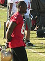 Vernon Davis at 49ers training camp 2010-08-11 3.JPG