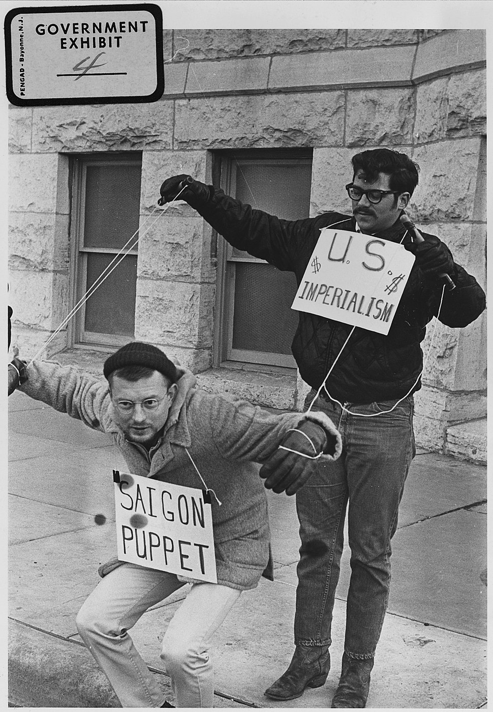 Vietnam War protesters. 1967. Wichita, Kans - NARA - 283627