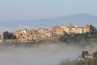 View of Collevecchio Sabine's hills throuth the fog2.JPG