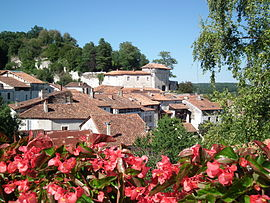 Aubeterre-sur-Dronne village and Chateau