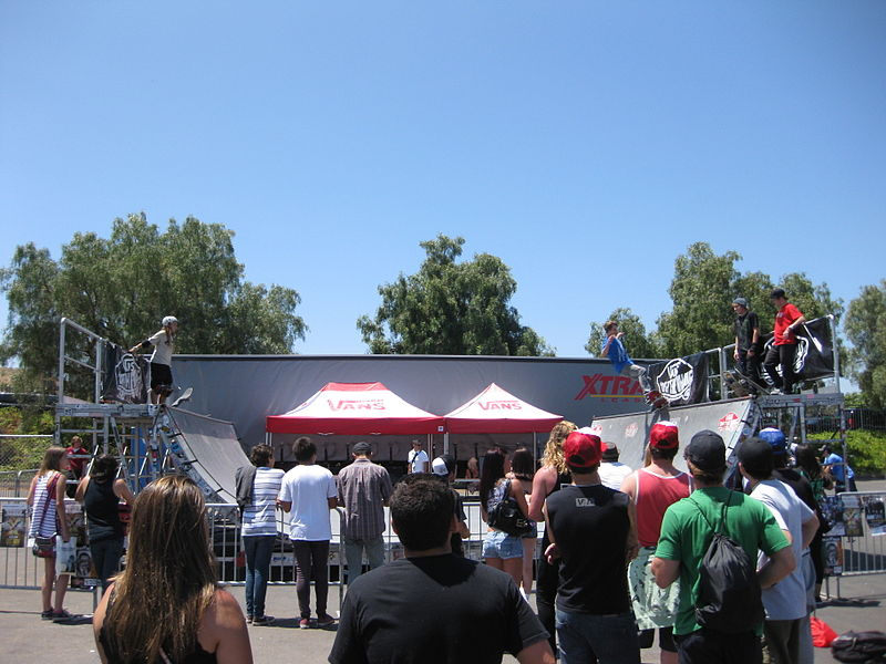 File:Warped Tour half-pipe 2010-08-10.jpg
