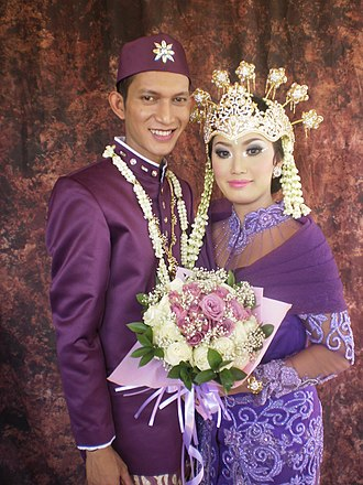 Sundanese people - Image: Wedding in action