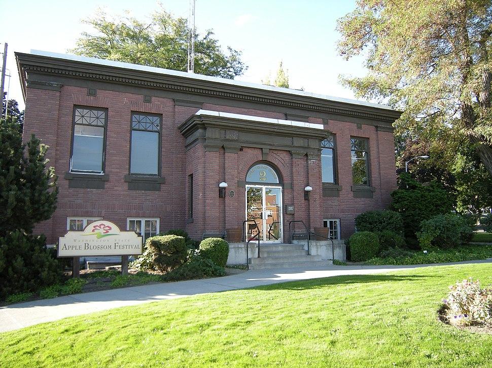 Wenatchee, WA - Carnegie Library 01