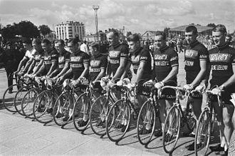 Groene Leeuw (cycling team) - The Wiel's–Groene Leeuw squad of the 1964 Tour de France