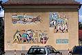Wien-Penzing - Gemeindebau Mühlbergstraße 4-6 - Mosaik Entwicklung der Wiener Feuerwehr von der Gotik bis heute - Karl Hauk 1956-58.jpg