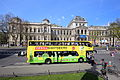 Wien - Sightseeing-Bus.JPG