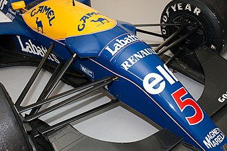 Williams FW14 - Although there is little difference in appearance between the FW14 and FW14B, the FW14B has front suspension bulges on the body due to the addition of an active suspension system.