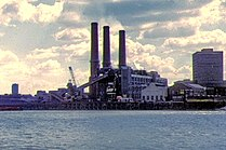 Woolwich power station 1973.jpg