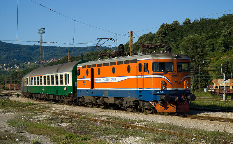 ファイル:ŽRS 441 at Doboj.jpg