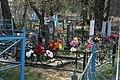 Кладбище села Солдатское на Пасху 2014 02.JPG