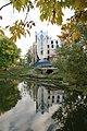 Плотина в парке усадьбы Орловых-Денисовых. Вид на плотину.JPG