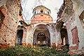 Церковь Вознесения Господня в Елпатьево (Внутриние руины).jpg