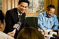 นายกฯ อวยพรวันเกิดคุณบรรหาร ศิลปอาชา ณ บ้านพัก 19สิงหาคม2552 (The Official Si - Flickr - Abhisit Vejjajiva (1).jpg