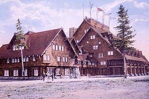 Old Faithful Inn - The inn in 1914
