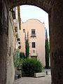 012 Sant Jeroni de la Murtra, vista del pati des del portal exterior.JPG