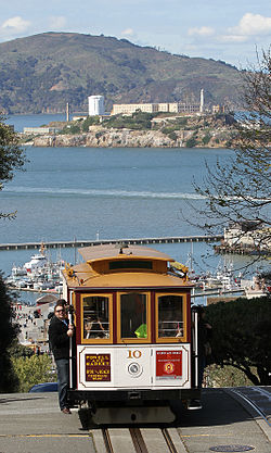 10 Cable Car on Hyde St with Alcatraz, SF, CA, jjron 25.03.2012.jpg
