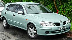 2001-2002 Nissan Pulsar (N16) Q 5-door hatchback (2011-11-17) 01.jpg