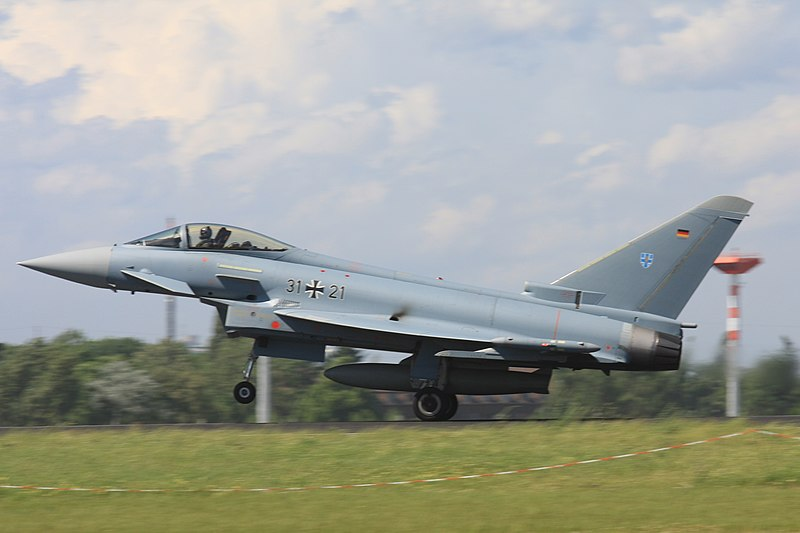 2010-06-11 Eurofighter Luftwaffe 31+21 EDDB 02.jpg