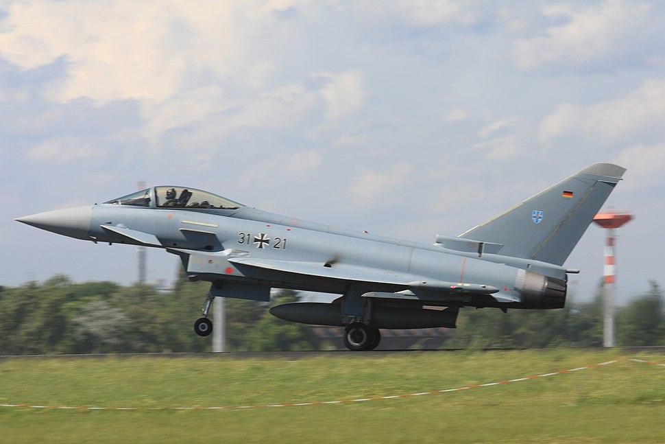 2010-06-11 Eurofighter Luftwaffe 31%2B21 EDDB 02.jpg