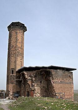 20110419 Menucehr mosque Ani Turkey Panorama.jpg