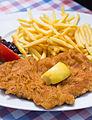 2015 0723 Wiener Schnitzel vom Schwein Gaislachalm Sölden.jpg