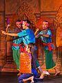 2016 Phnom Penh, Tradycyjny Kambodżański Pokaz Tańca (051).jpg