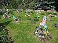 20200512130DR Dresden Neuer kath Friedhof Sternenkinderwiese.jpg