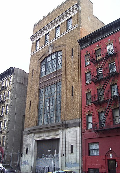 File:421 East 6th Street.jpg