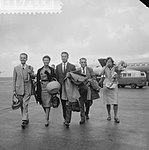 Aankomst medisch Rode Kruisteam uit de Kongo op Schiphol v.l.n.r. D. Herschee, m, Bestanddeelnr 911-7433.jpg