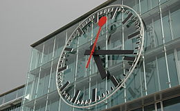 Aarau station clock closeup.jpg