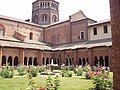 Abbazia-di-Chiaravalle-chiostro-00.jpg