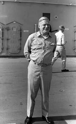 Actor Richard Slattery aboard USS Peleliu (LHA-5) in 1981.jpeg