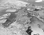 Aerial view of Pearl Harbor, Oahu, Hawaii (USA), on 10 March 1978 (KN-26931).jpg