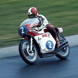 Giacomo Agostini - Practice in 1976 at the Nürburgring with the 350cc MV