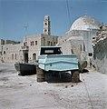 Akko. Havenfront met de toren van de caravanserail met de zuilen of Khan el um, Bestanddeelnr 255-9261.jpg