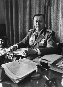 Alfredo Stroessner at desk.jpg
