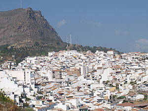 Álora - Álora seen from the castle, with mountain Hacho behind.