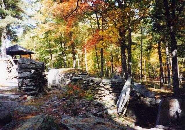 America Stonehenge.jpg