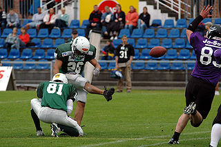 Field goal means of scoring in American football and Canadian football