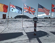 Antarctica-Population-AmundsenScottSuedpolStation