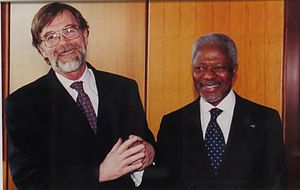 Thomas G. Weiss - Thomas G. Weiss and Kofi Annan, marking the completion of the UN Intellectual History Project