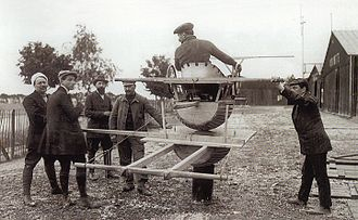 Hubert Latham - Antoinette's rudimentary 'flight simulator' at Châlons. This method of flight training was mimicked quite accurately in the 1965 film Those Magnificent Men in Their Flying Machines