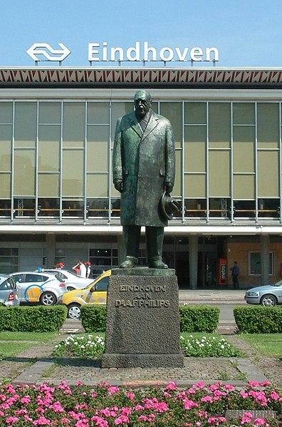 File:Anton Philips standbeeld.jpg