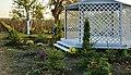Aranjament floral in gradina Baleni - panoramio.jpg