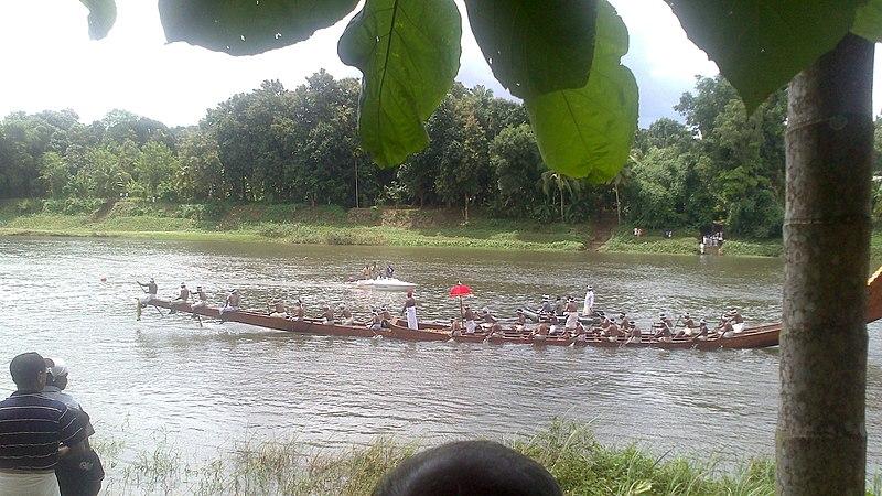 File:Aranmula boat race.jpg