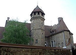 Arnay-le-Duc - Image: Arnay le duc Chateau Princes de Conde 1