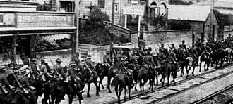 Auckland Mounted Rifles Regiment - Auckland Mounted Rifles marching along Upper Symonds Street, Auckland, September 1914.