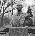 BORSTBEELD 'J.C. VAN MARKEN' (PIETER DE MONCHY, 1982) - Delft - 20372919 - RCE.jpg