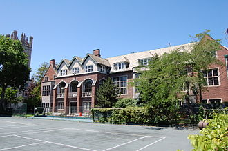 Quadrangle Club (University of Chicago) - Back of the club, showing a portion of the clay tennis courts