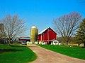 Barn and a Silo near Reedsburg - panoramio.jpg